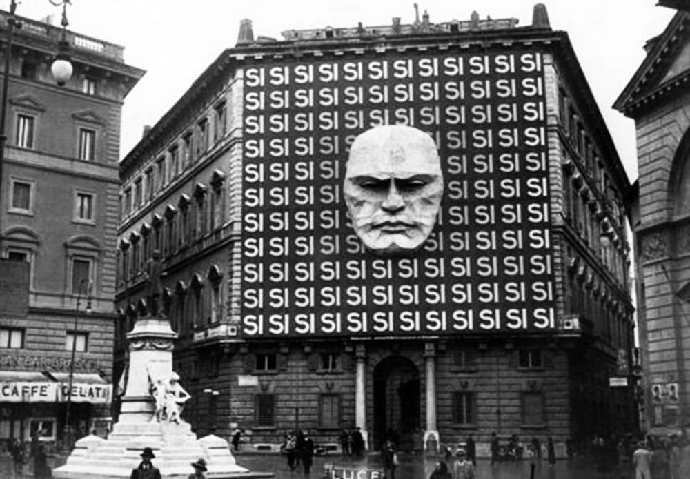 The headquarters of Mussolini's Italian Fascist Party, 1934.jpg