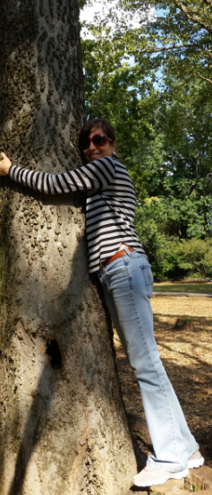 tree hug.PNG