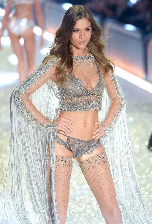 supermodel.jpeg